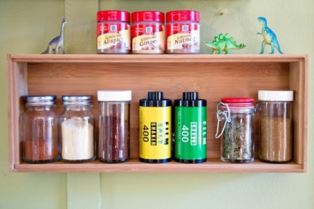 Film-Canisters-Into-Salt-and-Pepper-Shakers_ilovegreen_2