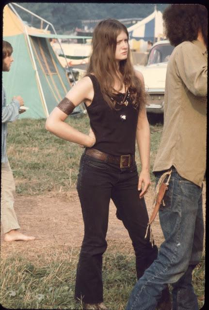 Girls of Woodstock, 1969 (16)