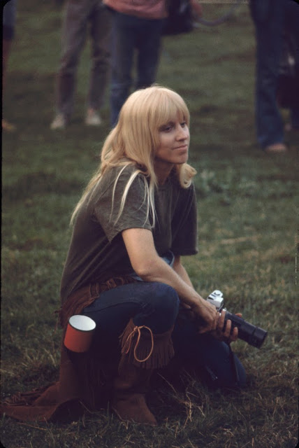 Girls of Woodstock, 1969 (17)