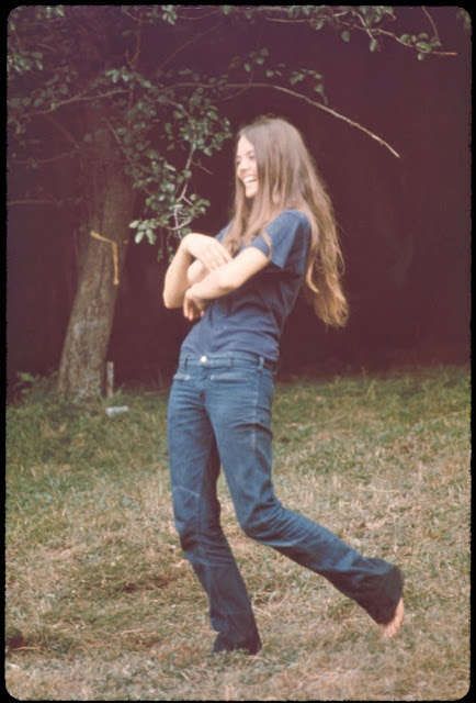 Girls of Woodstock, 1969 (9)